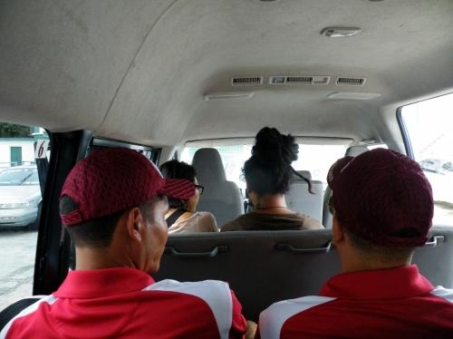 ベリーズ国際バス