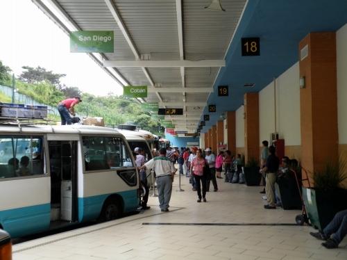 グアテマラシティ バスターミナル