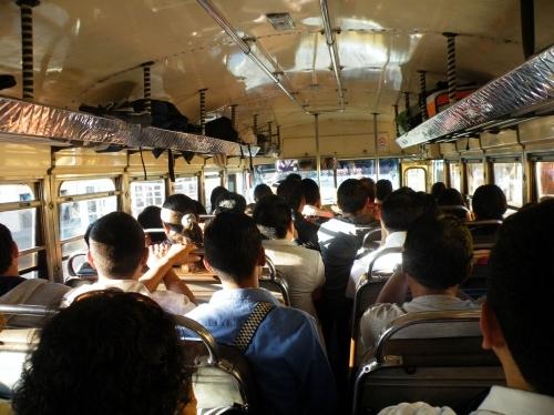 グアテマラシティ行き チキンバス