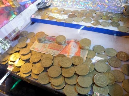 コイン落としゲーム