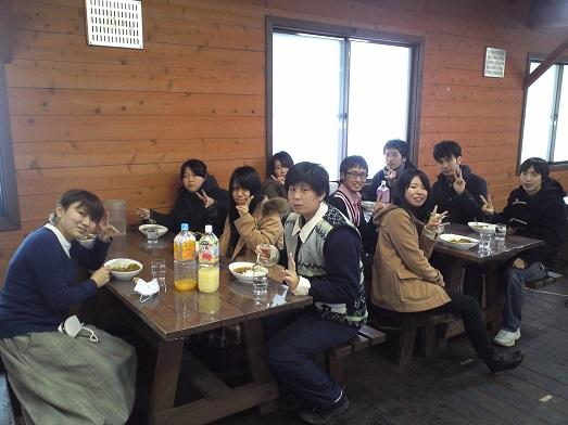 2014_春合宿カレー(みんな)