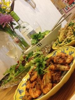タイ料理とエビ炒め