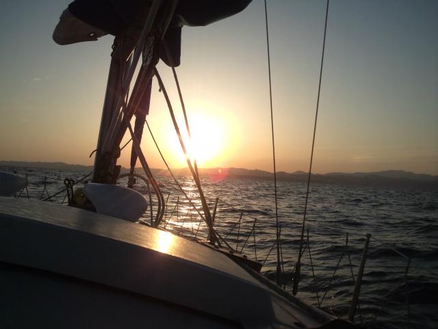 夕日と共に下田に到着
