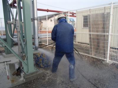 高圧洗浄車で配管を清掃