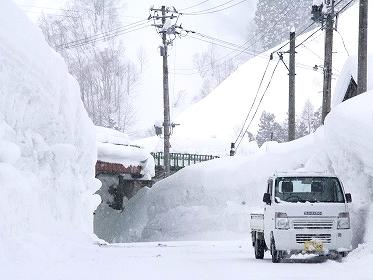軽トラックよりも高く積もる雪