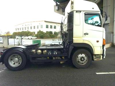 トラクターの巻き込み防止装置