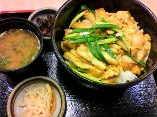 京麩入衣笠丼