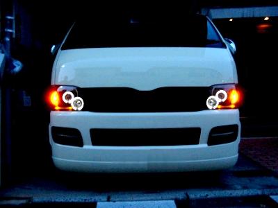 ウインカーを車幅灯としても活用