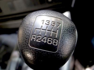 トラックの8速シフト