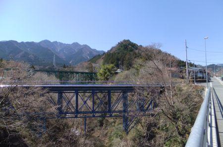 弟富士山と熊倉山