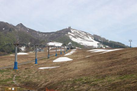 スキー場を登る