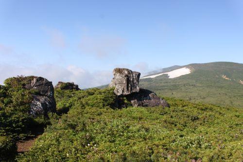 宿岩と湯森山