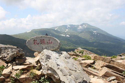 乳頭山から男女岳