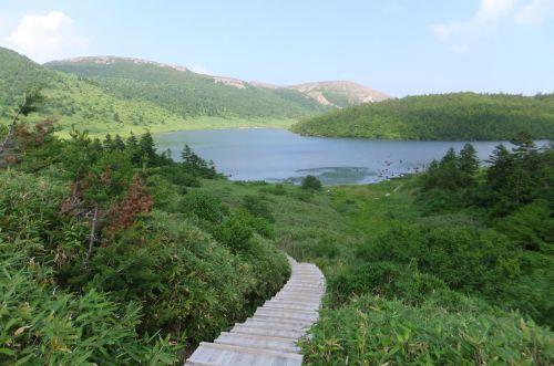 鎌沼と一切経山