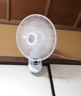 壁掛け式の扇風機