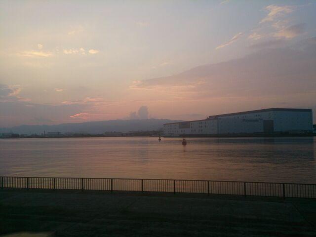 夕暮れの海1