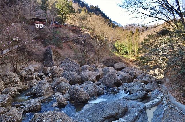 015 袋田の滝直下流の様子