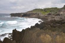WHAT IS JAPAN  - 私的日本再発見Blog --犬の門蓋 海岸
