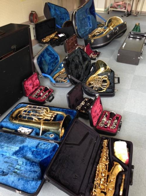 岐阜のサックス教室修理販売店、各務原市内でレッスン多数クラリネット他小牧一宮扶桑江南郡上可児からも近いです。駐車場あり。中学校の楽器修理。