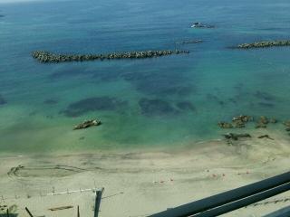 三日月 海風景