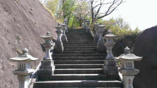 桜 真木お伊勢山 階段