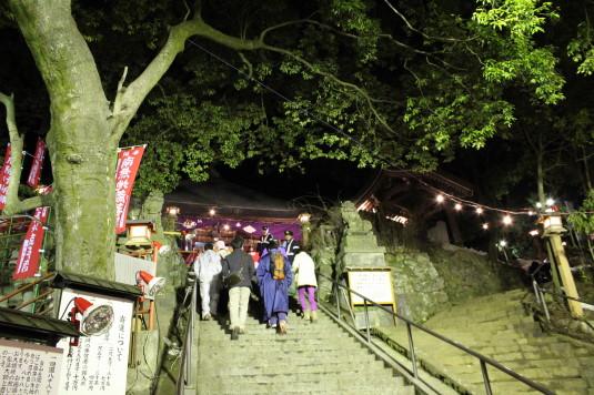 厄除け地蔵尊祭り 階段