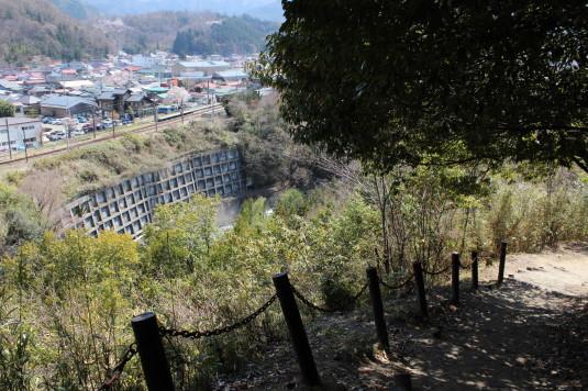 桜 勝山城跡 遊歩道