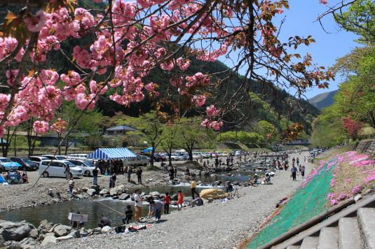 多摩源流祭り 昼の部 釣り会場