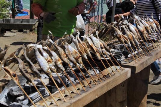 多摩源流祭り 昼の部 マスのつかみ取り 塩焼き