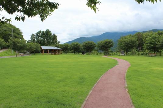 穴山さくら公園 外観