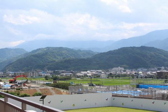 道の駅富士川 デッキ 大法師公園方面