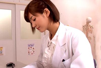 保健室の美人先生がザー○ンを貪るエッチな先生に豹変www