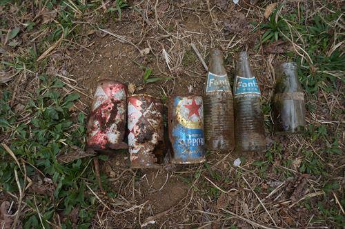 古い空き缶など