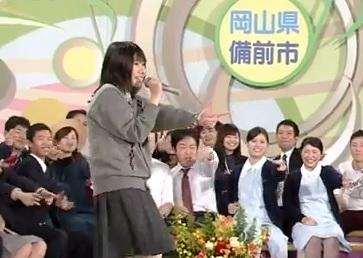 【動画】 今日のNHK『のど自慢』に出た可愛くて歌が上手い女子高生と動きのキレが良すぎる男子が面白いwww