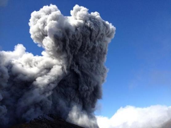 長野県の「御嶽山」が噴火!動画見ると怖すぎる・・・『ヤマノススメ』に影響されて山登った人も巻き込まれる