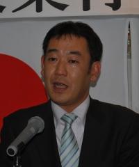 挨拶する大藏新会長[1]