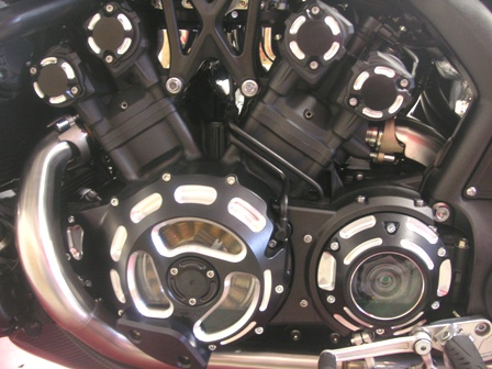 VMAX1700エンジンカバー