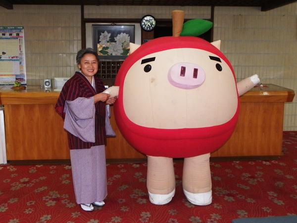 りんご丸と女将