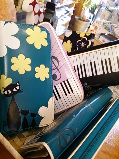ネコピアノ財布DSC_0019