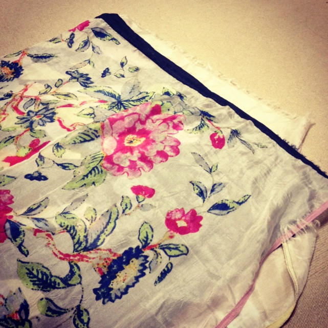 花柄スカーフ柄その2