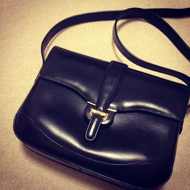 vintagegucciブラックショルダーバッグ