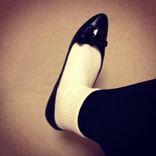 miumiu白靴下