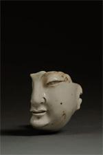 白磁仏像(北宋中期)
