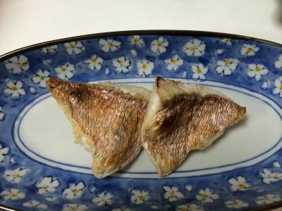 マダイの腹身の塩焼き
