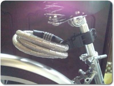 自転車ワイヤーロック極太取り付け1