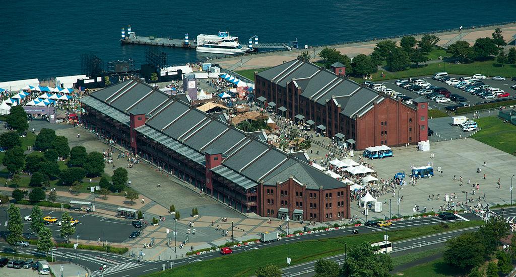 高所から見た赤レンガ倉庫