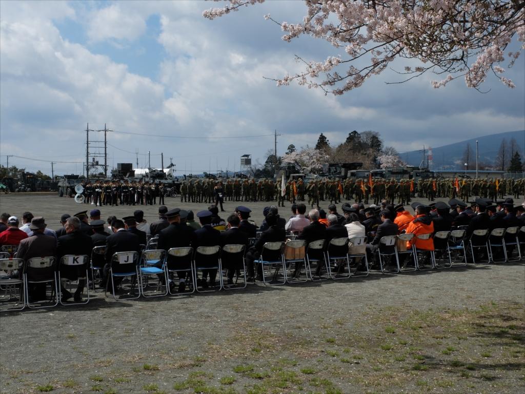 指揮官も含めて整列して、式典の準備体制が整った_3