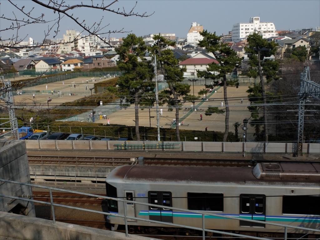 東横線などの電車は地下に潜る
