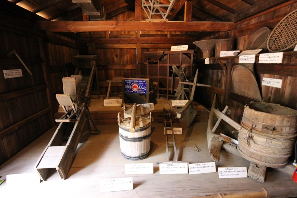 付属して展示されていた農機具小屋_2