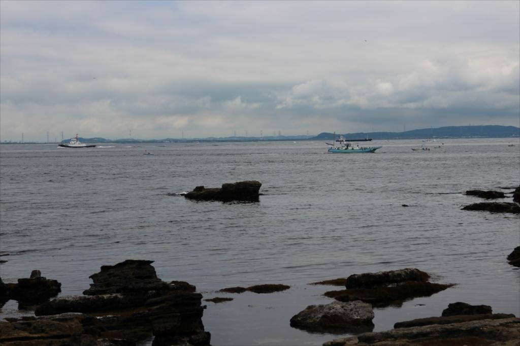 釣り船も見える_1